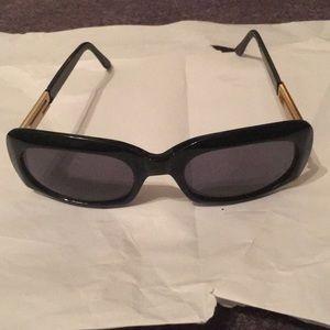 ST JOHN sunglasses black frame